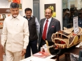 Chandra-Babu-Naidu-visiting-Lulu-shop-Big